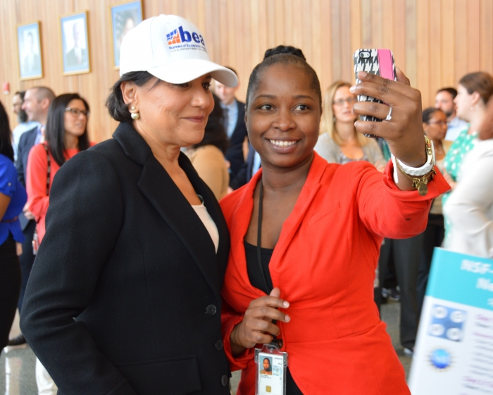 Secretary Pritzker Welcomes BEA to Suitland