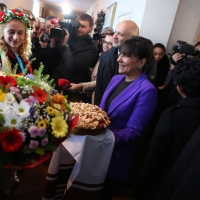 Secretary Pritzker is welcomed to the village of Velyki Pryts'ky